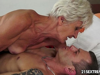 Gorgeous GILF Aliz have a blast with a big young cock | big cockgilfgorgeousyoung