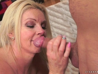 Absolutely perfect mature Franny on younger dick   dickold and youngperfect