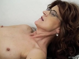 Sexy sugar mama on younger dick Lusty Grandmas | dickmommyold and youngsexy