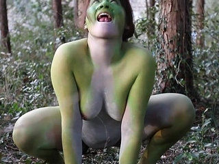 Stark naked Japanese fat frog lady in the swamp HD | fathigh definitionjapaneseladynaked