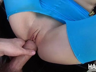 Sexy blonde chick Ash Hollywood gets tight pussy fucked by Manuel | blondechickpussy